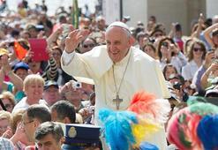 Papa Francis'ten gençlere corona virüs eleştirisi