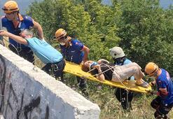 Karı-koca ölümden döndü Otomobil 40 metrelik uçuruma yuvarlandı