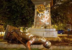 ABDde göstericiler Konfederasyon ordusu heykelini yıktı