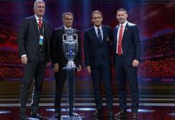 Sohbet devam ediyor Şenol Güneş, Mancini, Petkovic ve Giggs...