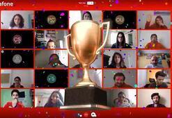 """Üniversiteli gençler Vodafone'un kişisel dijital asistanı """"TOBİ"""" için yarıştı"""