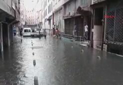 Son dakika İstanbulu sağanak ve dolu yağışı vurdu