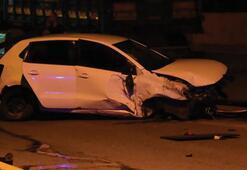 Otomobil refüje çarpıp takla attı Ölü ve yaralı var...