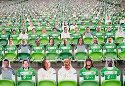 Macaristan sosyal mesafeyi kaldırdı Maçlar seyircili...