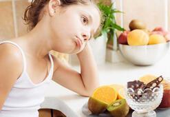 Kilosuyla dalga geçilen çocuklarda anoreksiya görülüyor