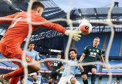 Manchester City, Burnleyi 5 golle geçti