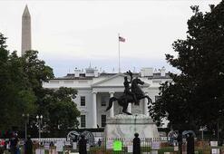 Beyaz Sarayın önündeki Andrew Jackson heykeli göstericiler tarafından yıkılmak istendi
