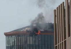 Son dakika... Kadıköyde 10 katlı iş merkezinde yangın