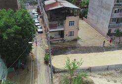Bursanın ardından İzmiri de sağanak yağış vurdu