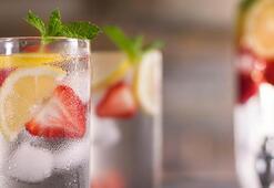 Su içmeyi daha lezzetli hale getirecek 9 tarif