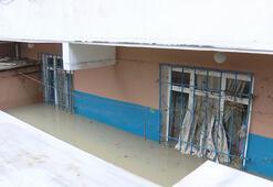 Esenyurtta sel felaketine uğrayan vatandaşlar evlerini tahliye etti