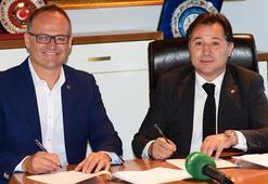 Son dakika | Bursaspor, teknik direktör İrfan Buza imza attırdı