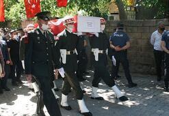 Şehit Piyade Sözleşmeli Onbaşı Recep Durak Diyarbakırda son yolculuğuna uğurlandı