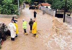 Kırklareli Valisi, selin vurduğu ilçeleri gezdi: Tek tesellimiz can kaybı yaşanmaması