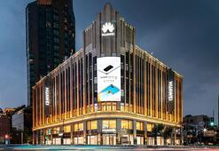 Dünyanın En Büyük Huawei Mağazası Şangay'da Açıldı
