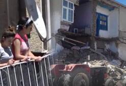 Son dakika   Vanda şiddetli deprem Bölgeden ilk görüntüler...