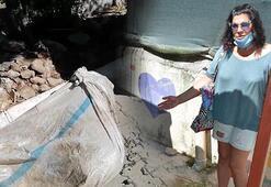 Bacakları bağlanan koç, çöp konteynerinde ölüme terk edildi