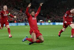 Liverpoolun efsaneleri şampiyonluğu kutladı