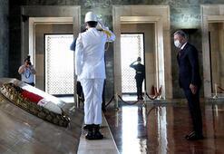 Bakan Akardan, OYAK Genel Kurulu öncesi Anıtkabire ziyaret
