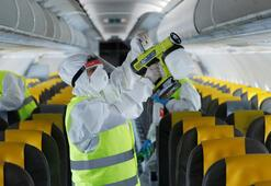 İtalyada uçak yolculuklarında baş üstü dolaplara el bagajı yasağı geldi
