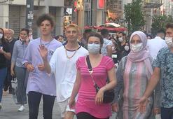 Kısıtlama sonrası İstiklal Caddesine akın ettiler