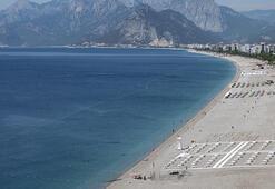 Konyaaltı Plajı sessiz kaldı