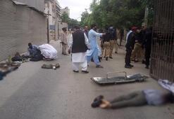 Son dakika... Karaçideki Pakistan Menkul Kıymetler Borsasına silahlı saldırı
