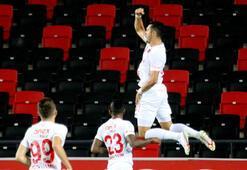 Jahovic penaltı golleriyle krallık yarışına ortak