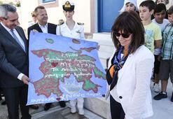 Yunan Cumhurbaşkanı Eşek Adasına çıktı
