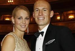 Eşi böyle istedi, Robben razı oldu