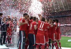 Bundesligaya ambargo koyan Bayern Münihin geçmiş şampiyonluk kutlamaları...
