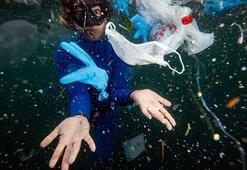 İstanbul Boğazına dalan Şahika Ercümen, plastik atık kirliliğine dikkati çekti