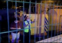 Kadıköyde tren istasyonunda raylara giren kişi elektrik akımına kapıldı