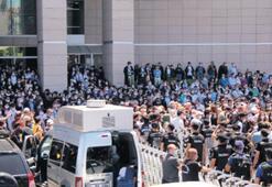 Avukatlardan adliye önünde protesto