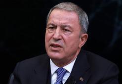 Milli Savunma Bakanı Akardan Bakan Albayraka yönelik hakaret içerikli yorumlara tepki
