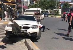 Esenyurtta polisten kaçan şüpheliler kaza yaptı; Kaza anı kamerada