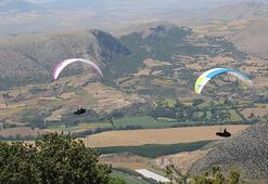 Tokatta yamaç paraşütlü uzun mesafe yarışı