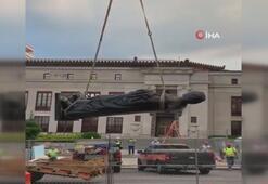 Kristof Kolombun heykeli isminin verildiği şehirden kaldırıldı