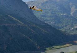Hızı saatte 200 kilometreyi aşan yarasa atlayışı nefesleri kesti