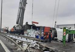 TIR devrildi İstanbul yönü ulaşıma kapandı
