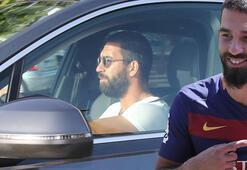 Galatasaray transfer haberleri | Arda Turan Galatasaraya geri dönüyor...