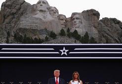 Trump tepkilere rağmen Rushmore Dağı Anıtı'na gitti