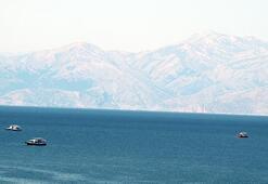 Vanda batan tekneyi arama çalışmalarında 8inci gün
