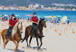 İzmirin plajları atlı polis birliklerine emanet