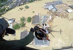 Japonya sel felaketiyle boğuşuyor Ölü sayısı 52ye yükseldi