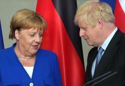 Johnson ve Merkel, Brexit sonrası ilişkiler ile Libyayı görüştü