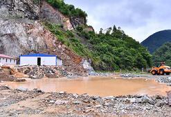 Trabzonu şiddetli yağış vurdu Kara yolu ulaşıma kapandı