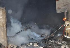 Bursada yangın :1 baraka, 2 ev ve 1 iş yeri kül oldu