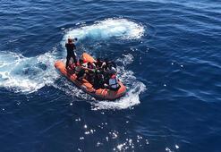 Ege Denizinde faciadan dönüldü Botları batan 27 sığınmacı kurtarıldı