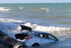 Otomobil denize uçtu Korku dolu anlar